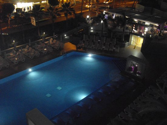 Hotel Riu Don Miguel: the pool from our room no 445