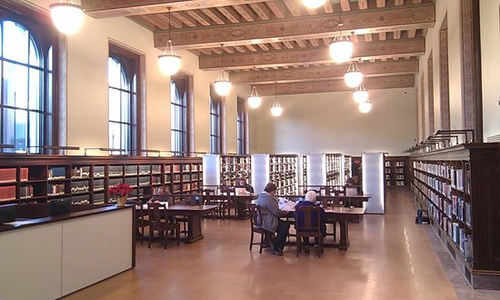 Central Public Library: Main reading area
