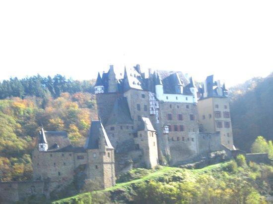 Wierschem, Duitsland: large sprawling castle