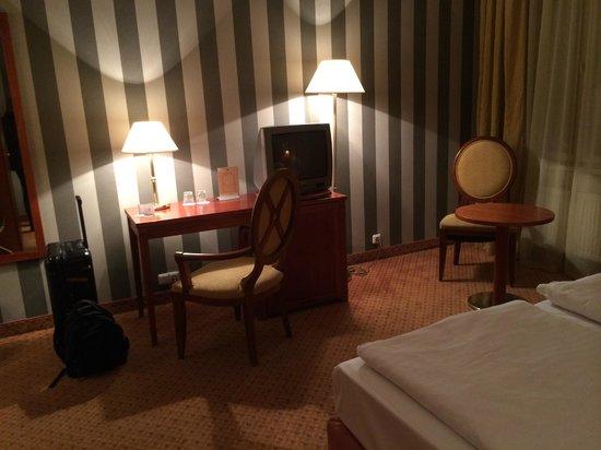 Hotel Raffaello: Teilansicht Zimmer 403