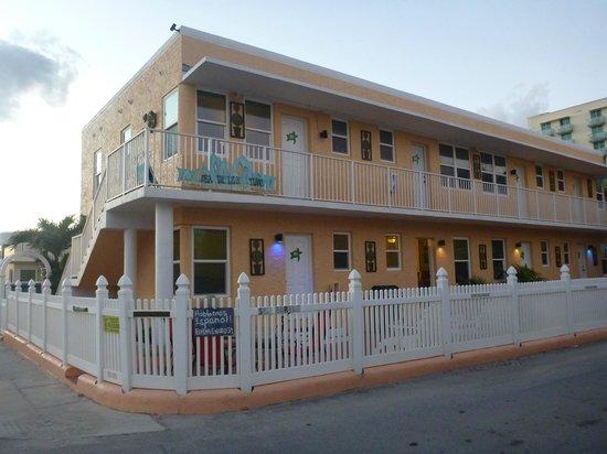 Hollywood Beach Hotels: Exterior