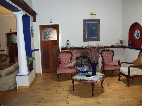 Eden Guest House : the old family lounge