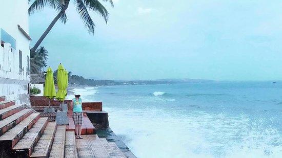 Ocean Front Hotel: вид на море