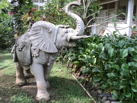 Jiwa Damai Organic Garden & Retreat: elephant statue