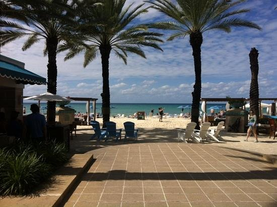 The Westin Grand Cayman Seven Mile Beach Resort & Spa: steps from the beach