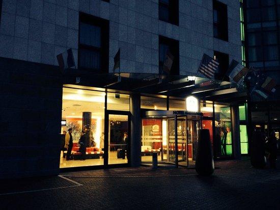 Best Western Premier Hotel Galileo Padova: Парадный вход