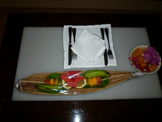 Diamonds Dream of Africa: Complimentary fruit