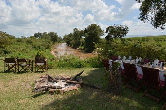 Sala's Camp: Mittag am Sandriver