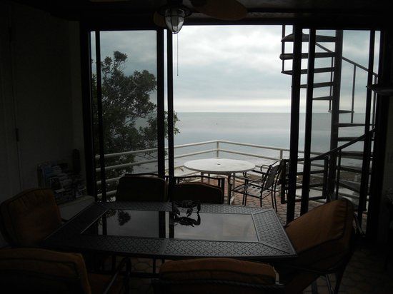 Barnacle Bed and Breakfast : le patio