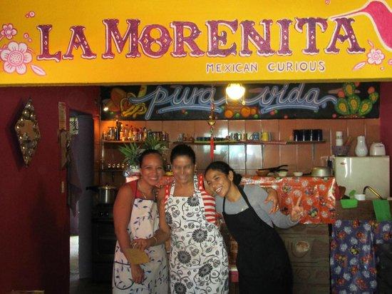 La Morenita : Cooks & waitress-Family
