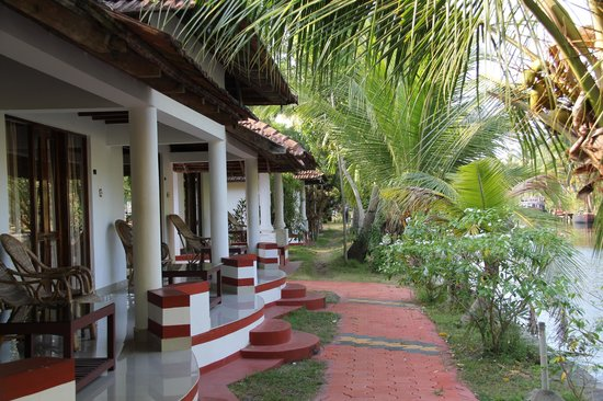 Coir Village Lake Resort: Rooms with Private Verandas