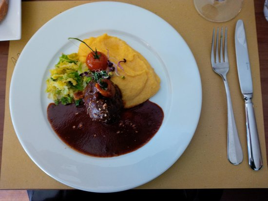 Maruzzella : Agnello, polenta e verze