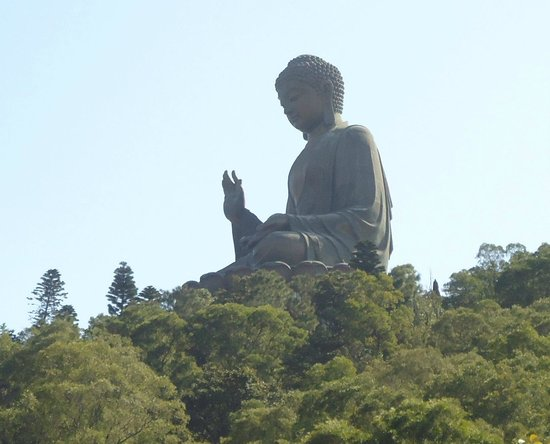 Tian Tan Buddha (Big Buddha): View of the Bhudda from the cable car