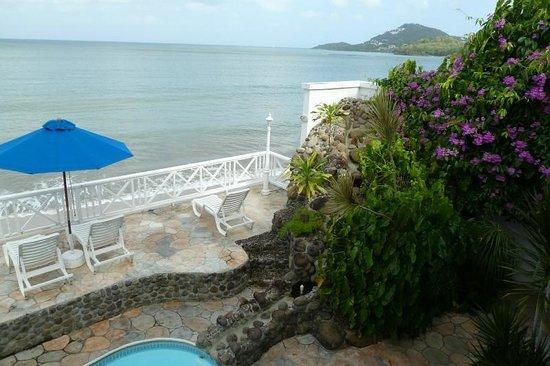 Villa Beach Cottages: Gorgeous landscaping