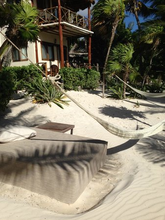 Rosa del Viento: outside our cabana, beds and hammocks everywhere