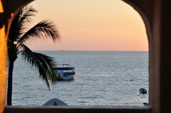 Tesoro Manzanillo: View out from hotel