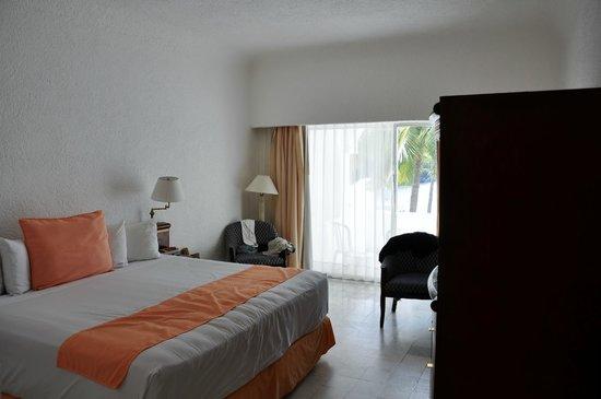 Tesoro Manzanillo: Room 208
