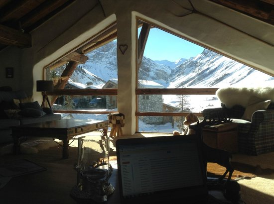 Le Chardon Mountain Lodges : View from lounge