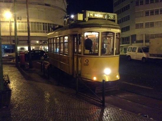 El Paraguas Amarillo De Lisboa: Tranvia 28.