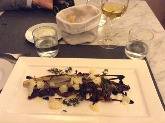 Osteria Piazzetta dell'Erba: Tagliata di manzo con grana, balsamico e radicchio