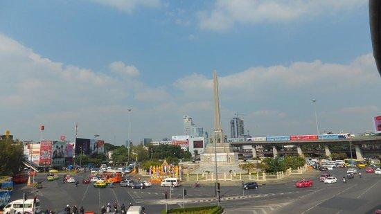 Renaissance Bangkok Ratchaprasong Hotel: Victory Monument