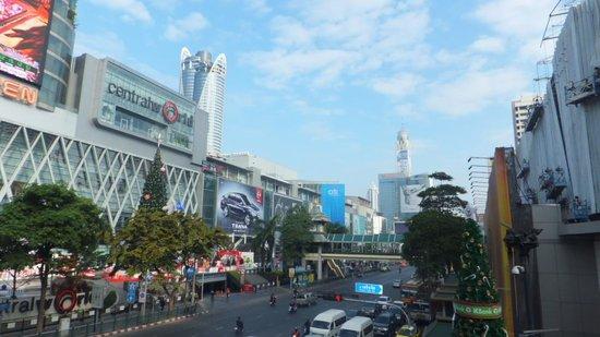 Renaissance Bangkok Ratchaprasong Hotel: Central World and Baiyoke Sky Hotel