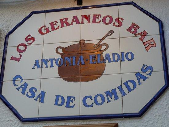 Los Geraneos: interior restaurante