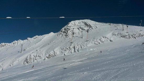 Hintertuxer Gletscher: Широкие трассы вдоль бугеля
