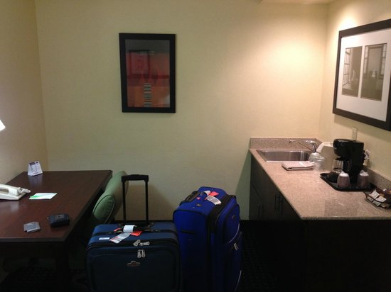 SpringHill Suites Fort Lauderdale Airport & Cruise Port : Kitchen