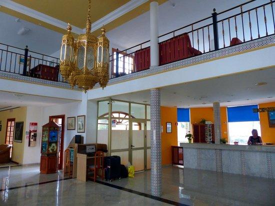 Hotel RF San Borondon : Hotel Eingngshalle