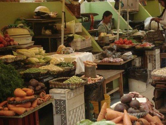 Mercado 10 De Agosto: área interna