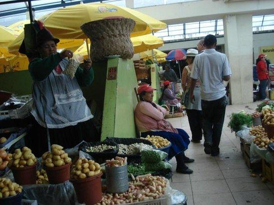 Mercado 10 De Agosto: legumes