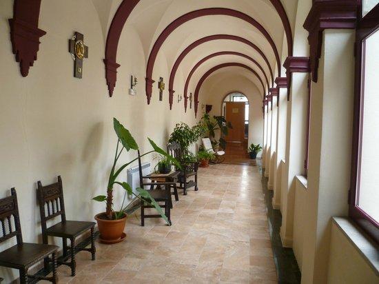 Hotel Nuestra Señora del Carmen: Cloisters