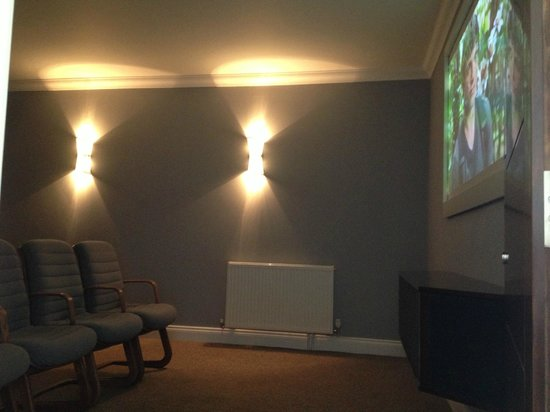 New Westcliff Hotel: New Cinema