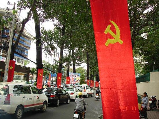 Bong Sen Hotel Saigon : Социализм жив и процветает.