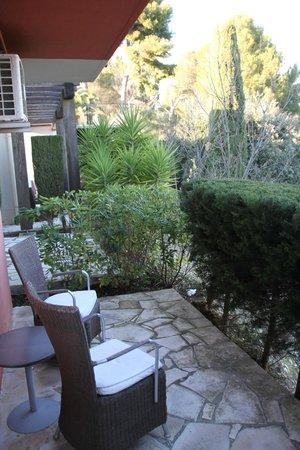 Sandton Hôtel & Residence Domaine Cocagne : terrasse