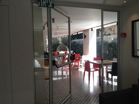 Shenkin Hotel: Patio
