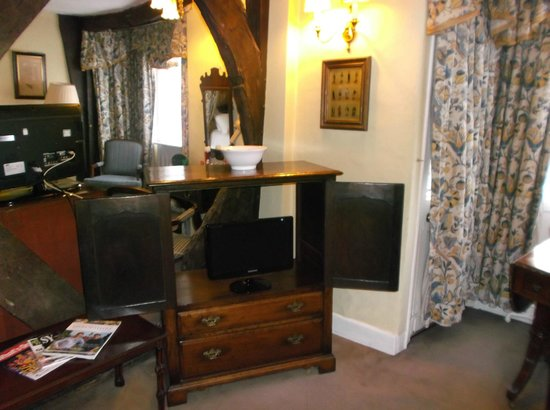 The Lion Hotel Shrewsbury by Compass Hospitality: The Dickens Suite