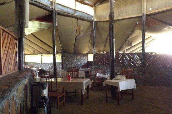 Kichakani Mara Camp: zona ristorante