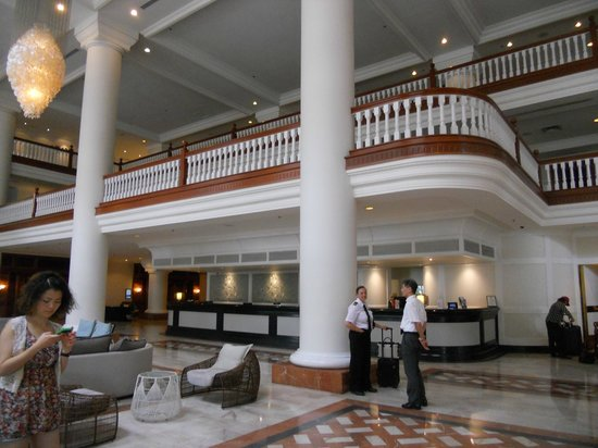 Pullman Cairns International: Lobby