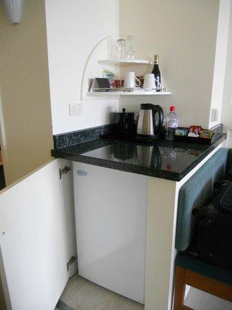 Pullman Cairns International: Refrigerator in the room