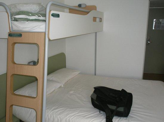 Ibis Budget Bayonne: con camas auxiliares, muy comoda