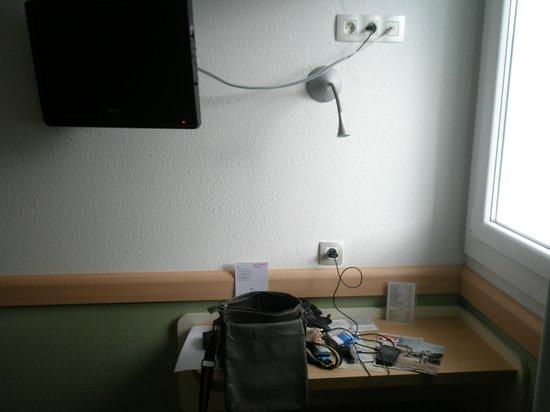 Ibis Budget Bayonne: escritorio