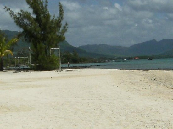 Preskil Beach Resort: Beach