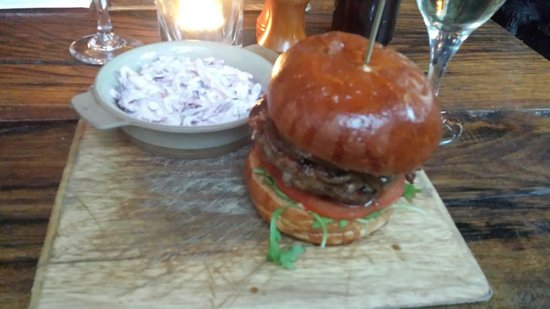 The Old Crown Public House: Burger☆