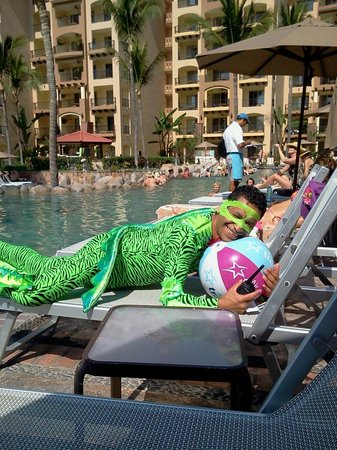 Villa del Palmar Flamingos: Fernando dressed as iguana