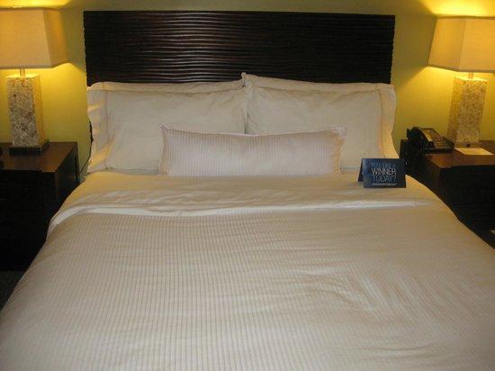Westin Princeville Ocean Resort Villas : Bed