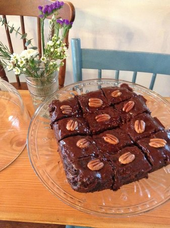 The Wild Oak Cafe & Community Market: Fudgey espresso Brownies... you really want to make it on a day these are available!