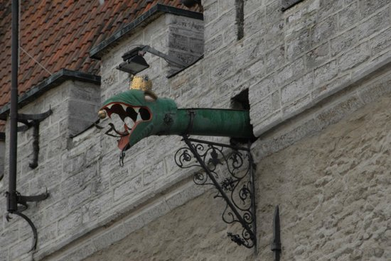 Tallinn Old Town: Medieval waterspout on town hall
