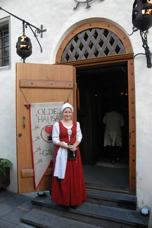 Tallinn Old Town: Hostess at Olde Hansa